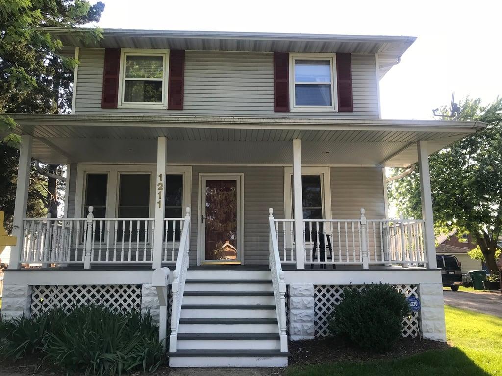 1211 Clement Avenue Joliet, IL 60435