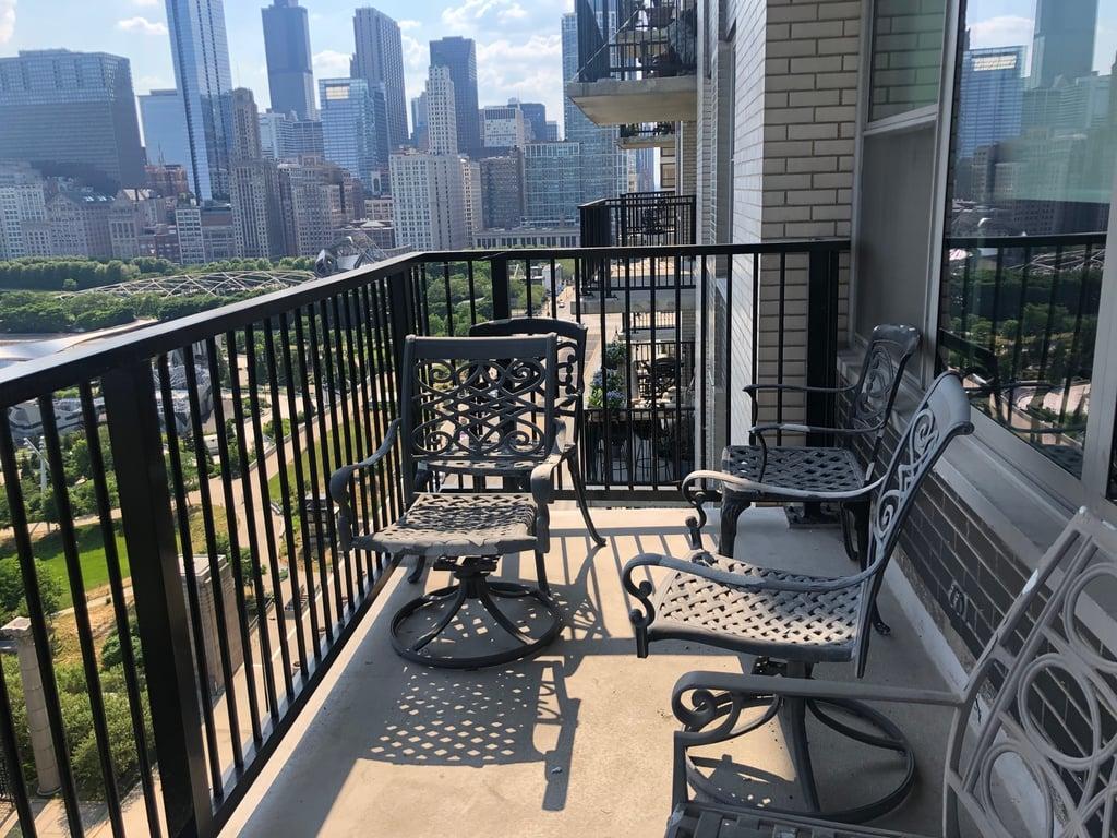 400 E RANDOLPH Street,Chicago,IL-2293-14
