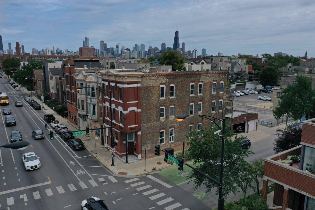 1761 W Augusta Boulevard -3 Chicago, IL 60622