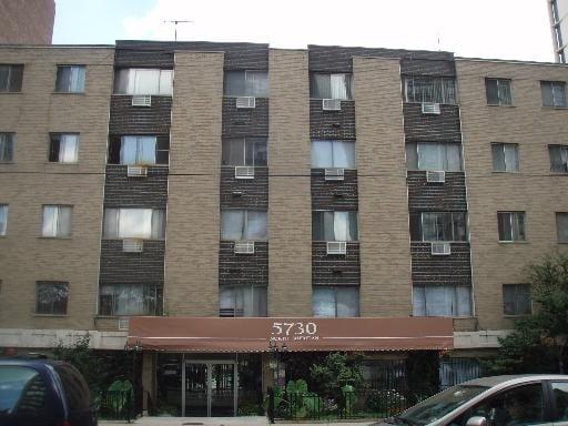 5730 N Sheridan Road -304 Chicago, IL 60660