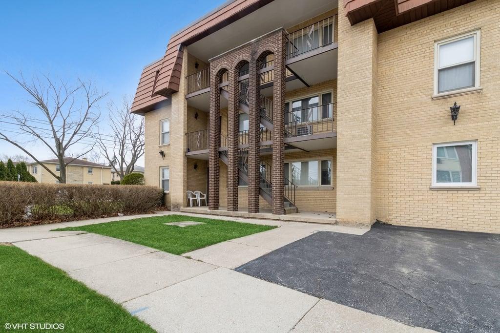 1700 W Touhy Avenue -3S Park Ridge, IL 60068