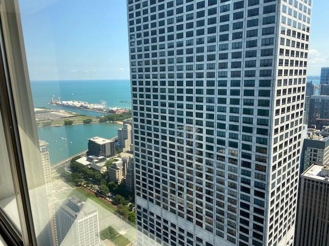 175 E Delaware Place,Chicago,IL-4303-2