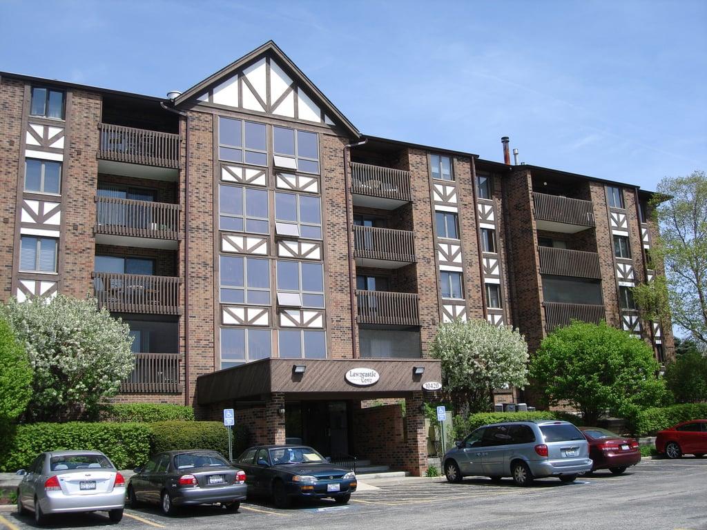 10420 Circle Drive -32B Oak Lawn, IL 60453