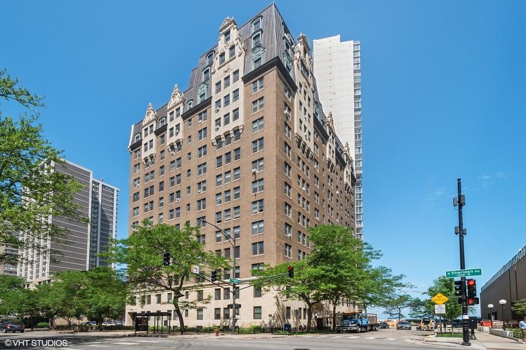 6101 N Sheridan Road -6B Chicago, IL 60660