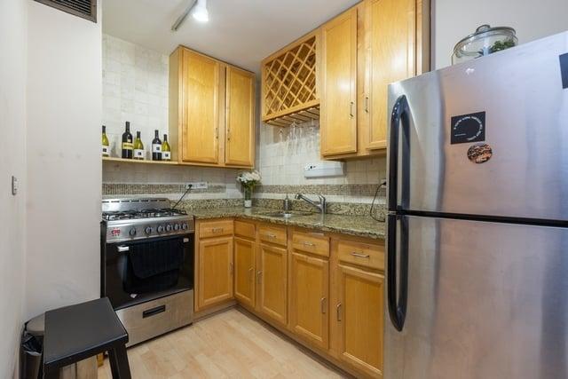 850 N Dewitt Place,Chicago,IL-4213-5