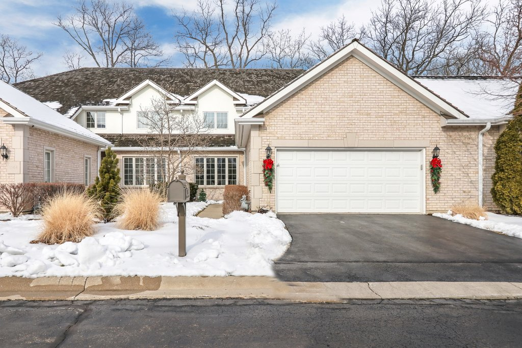 1146 Pine Oaks Circle -0 Lake Forest, IL 60045