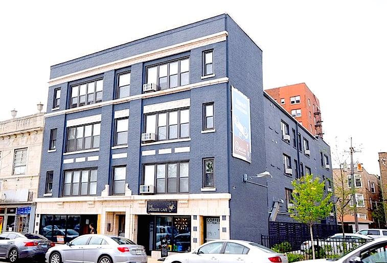 946 W Montrose Avenue -946 Chicago, IL 60613