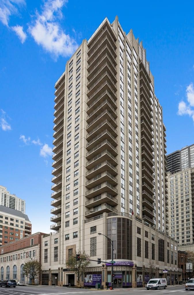 635 N DEARBORN Street -1806 Chicago, IL 60654