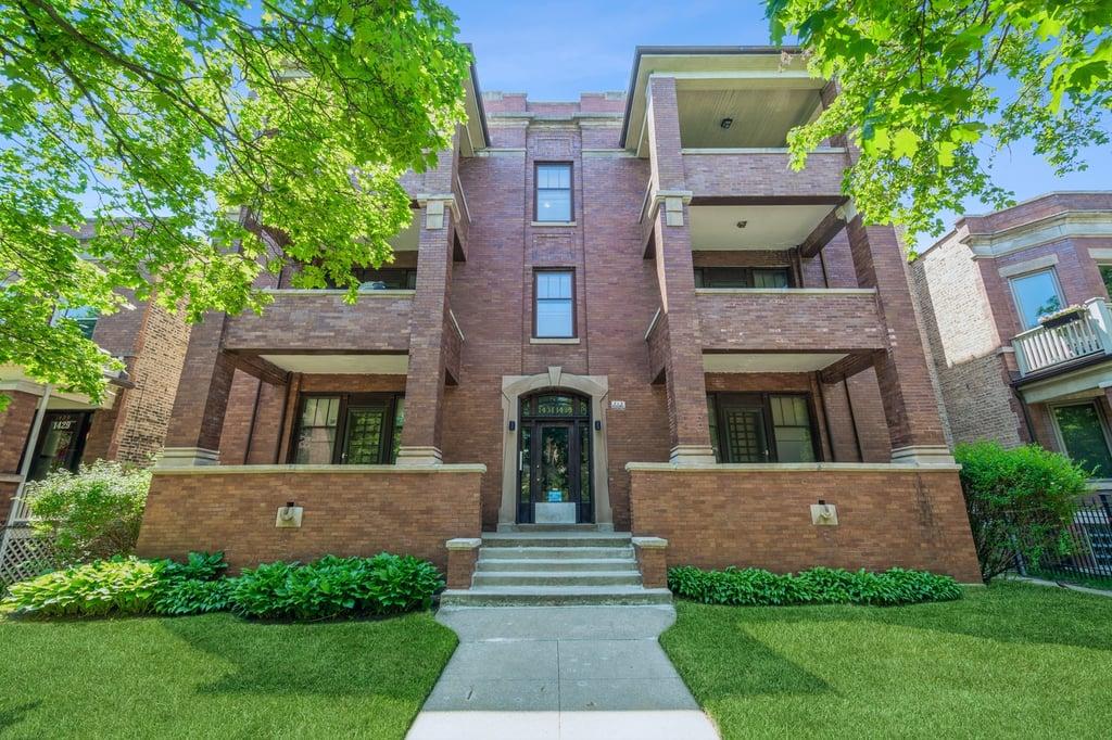 1435 W Olive Avenue -3W Chicago, IL 60660