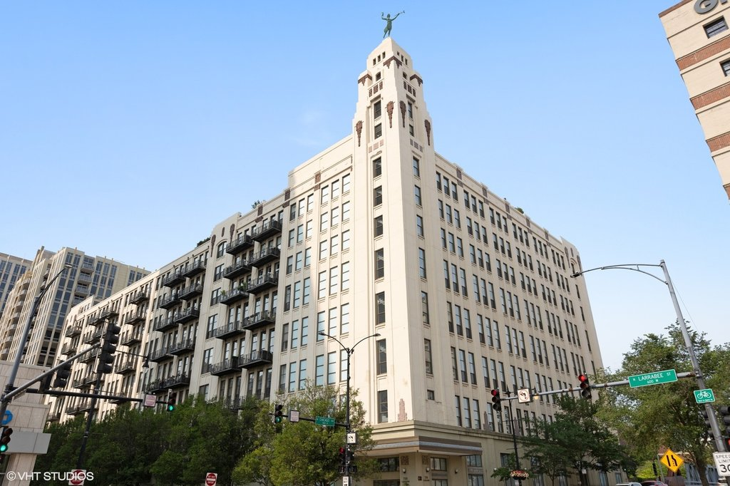 758 N LARRABEE Street -831 Chicago, IL 60610