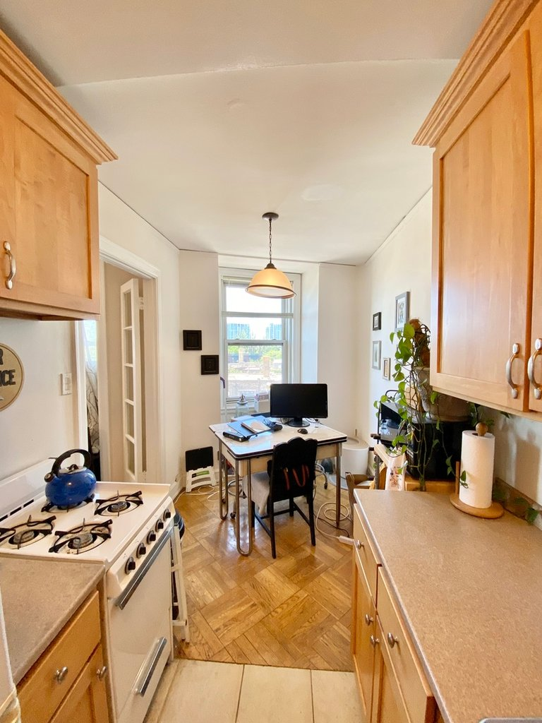 415 W Fullerton Parkway,Chicago,IL-37831-5