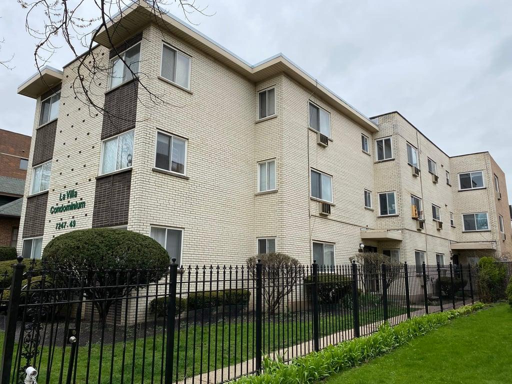 7249 N HAMILTON Avenue -2C Chicago, IL 60645