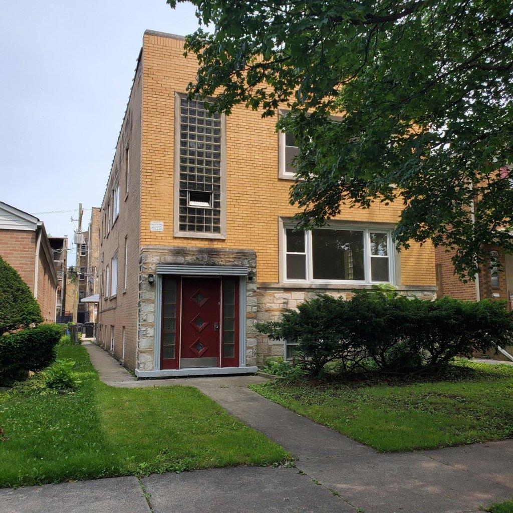 6207 N Richmond Street -1 Chicago, IL 60659