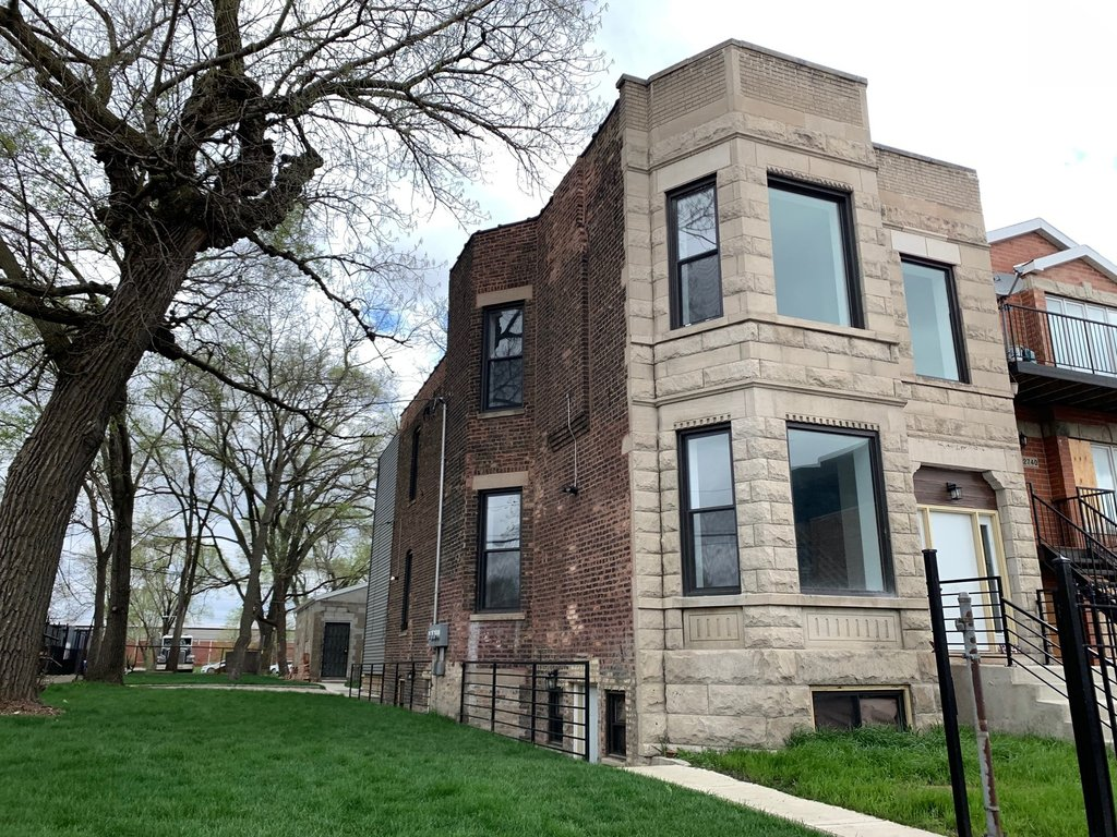 2742 W Polk Street -G Chicago, IL 60612