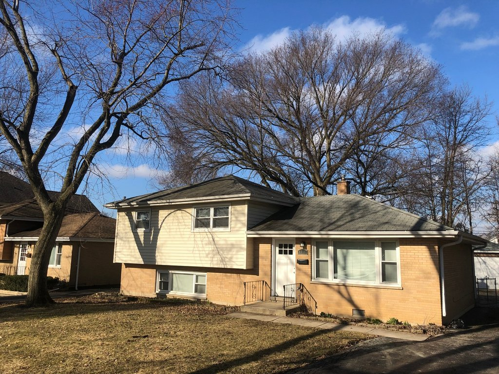 4918 Pershing Avenue Downers Grove, IL 60515