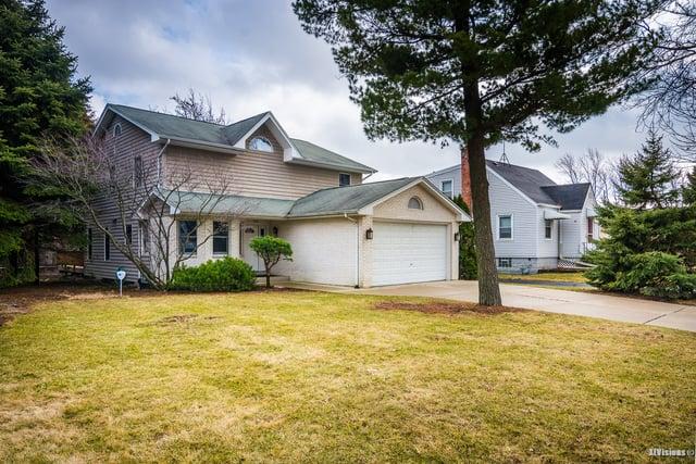 5305 S MADISON Avenue Countryside, IL 60525