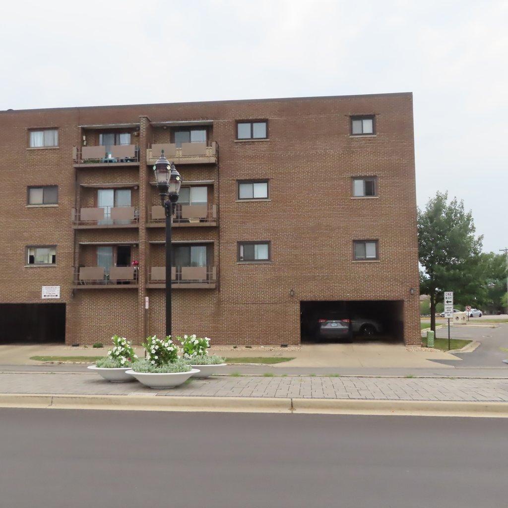 7610 W GRAND Avenue -1D Elmwood Park, IL 60707