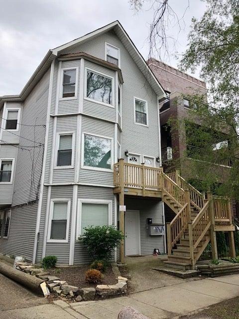 1115 W Newport Avenue -2R Chicago, IL 60657