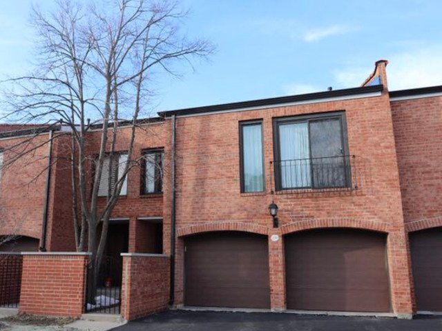19W270 Governors Trail Oak Brook, IL 60523