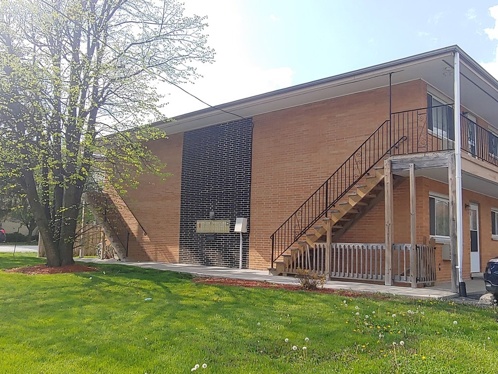 8649 S 85th Court -12 Hickory Hills, IL 60457
