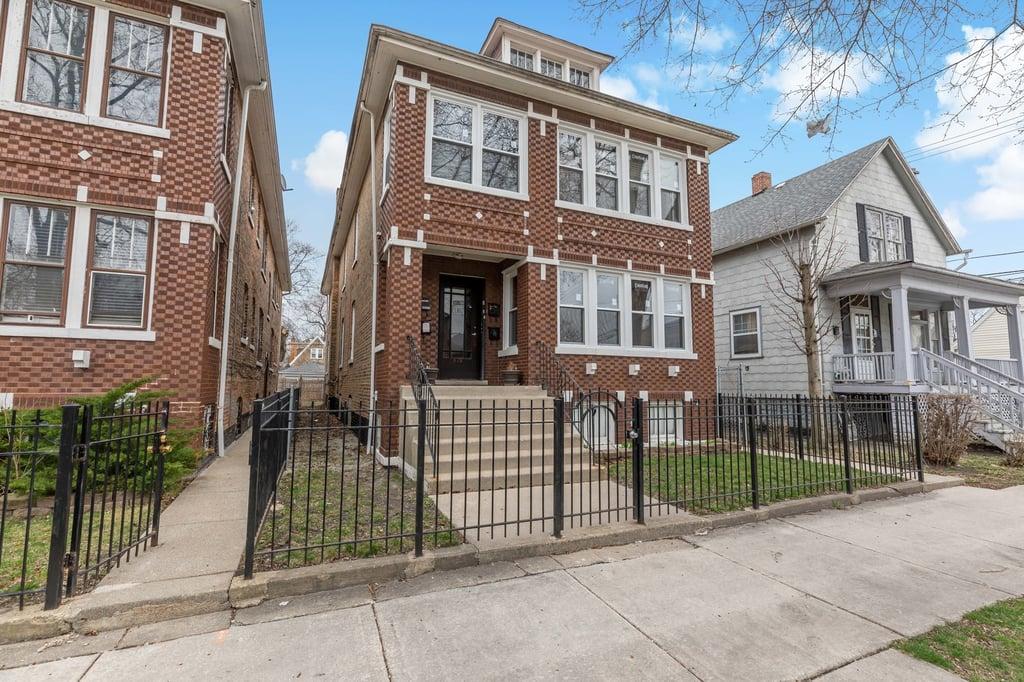 6839 S Maplewood Avenue -1 Chicago, IL 60629