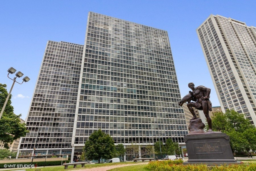 330 W Diversey Parkway -1004 Chicago, IL 60657