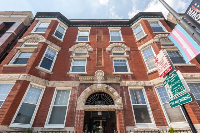 3414 N Halsted Street -102 Chicago, IL 60657