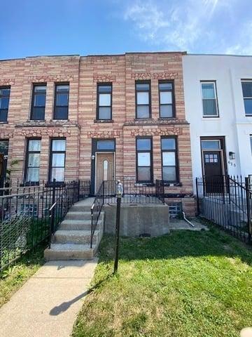 623 S Campbell Avenue Chicago, IL 60612