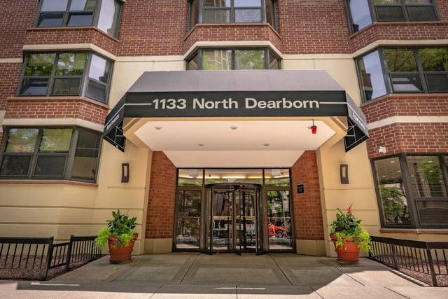 1133 N DEARBORN Street -1301 Chicago, IL 60610