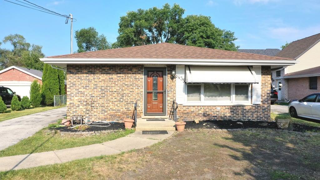 9435 Odell Avenue Bridgeview, IL 60455