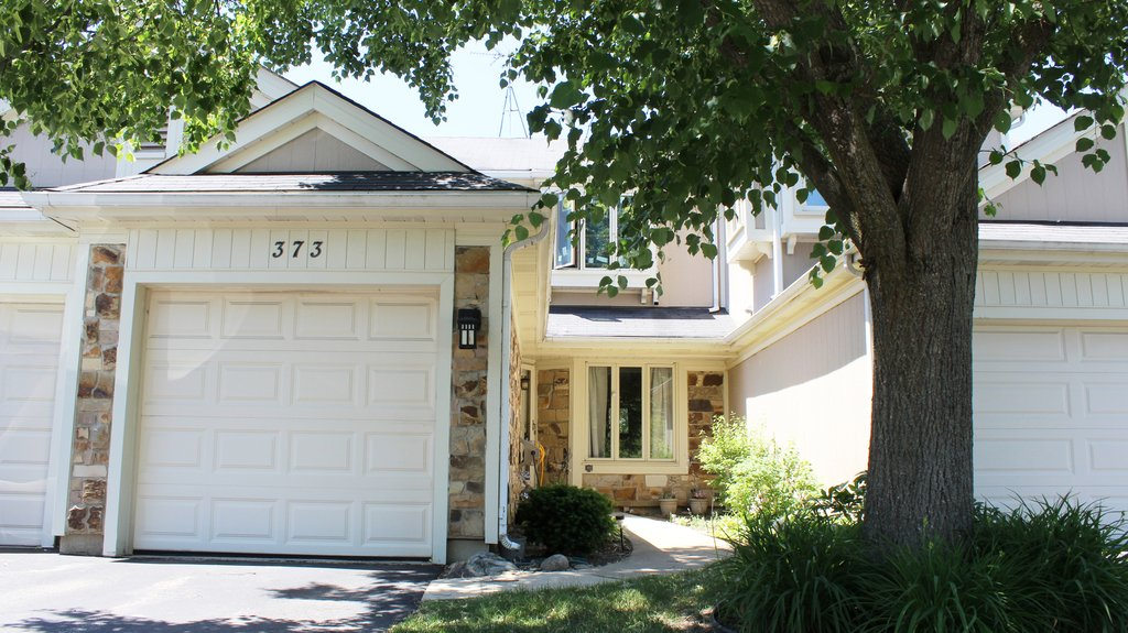 373 Goshawk Lane Deerfield, IL 60015