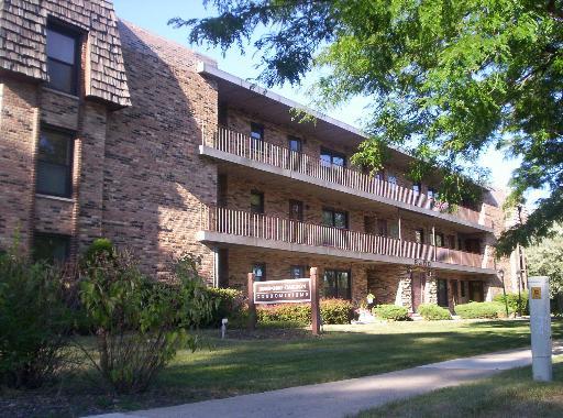 2600 Oakton Street -10E Park Ridge, IL 60068