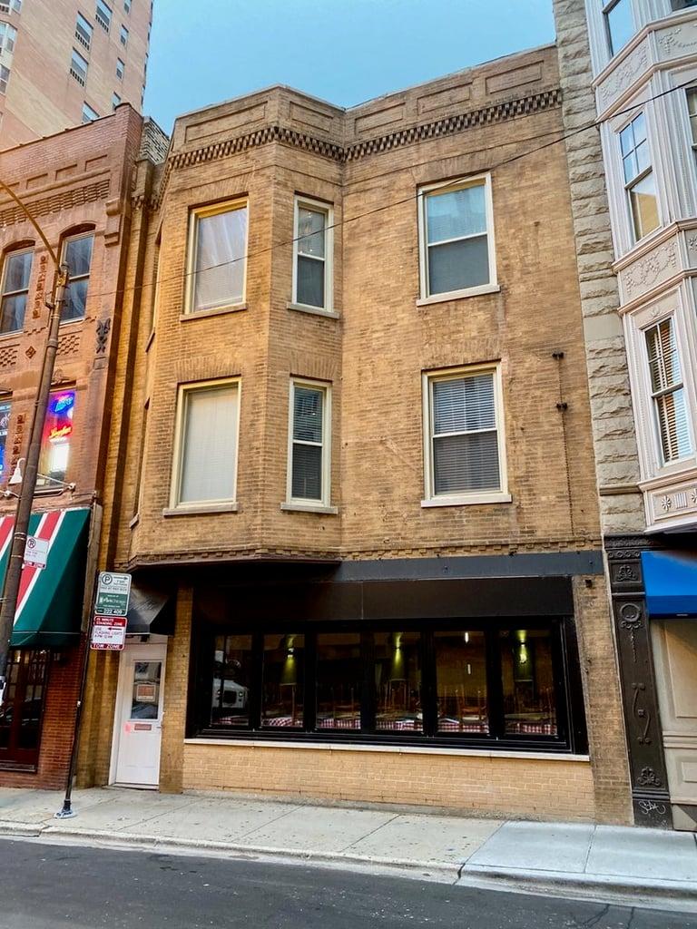 866 N State Street -1 Chicago, IL 60610