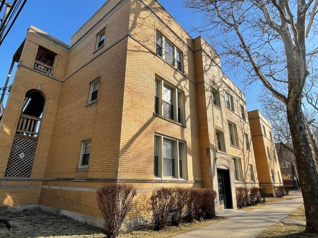 2510 W Thorndale Avenue -2 Chicago, IL 60659