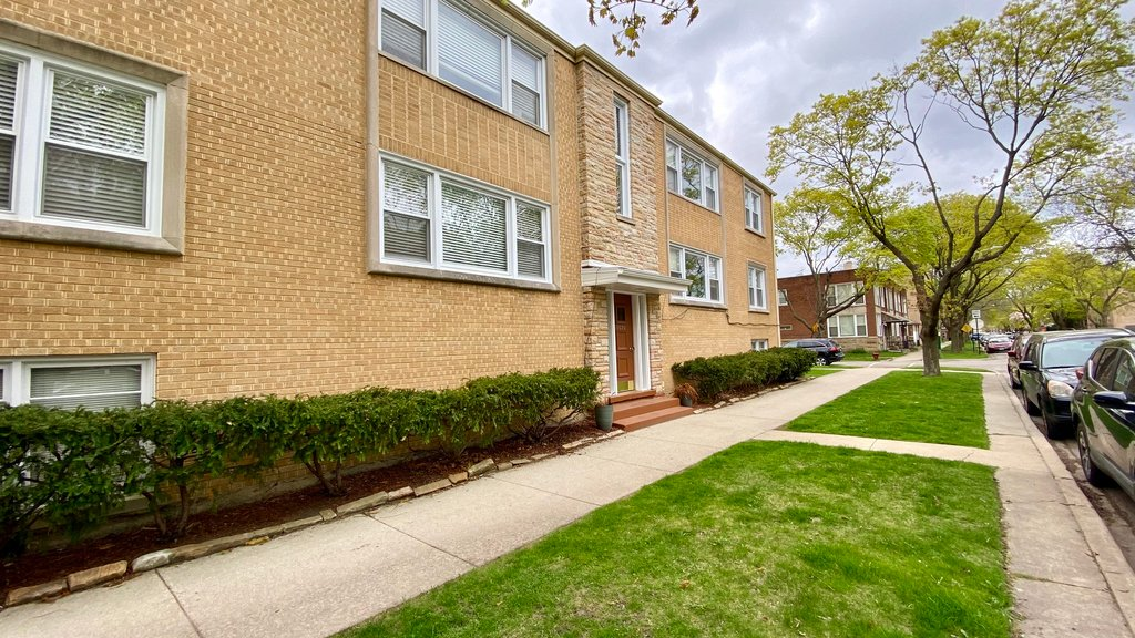 7020 N Washtenaw Avenue -4 Chicago, IL 60645