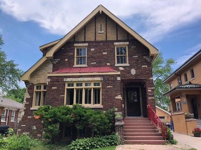 9930 S DAMEN Avenue Chicago, IL 60643