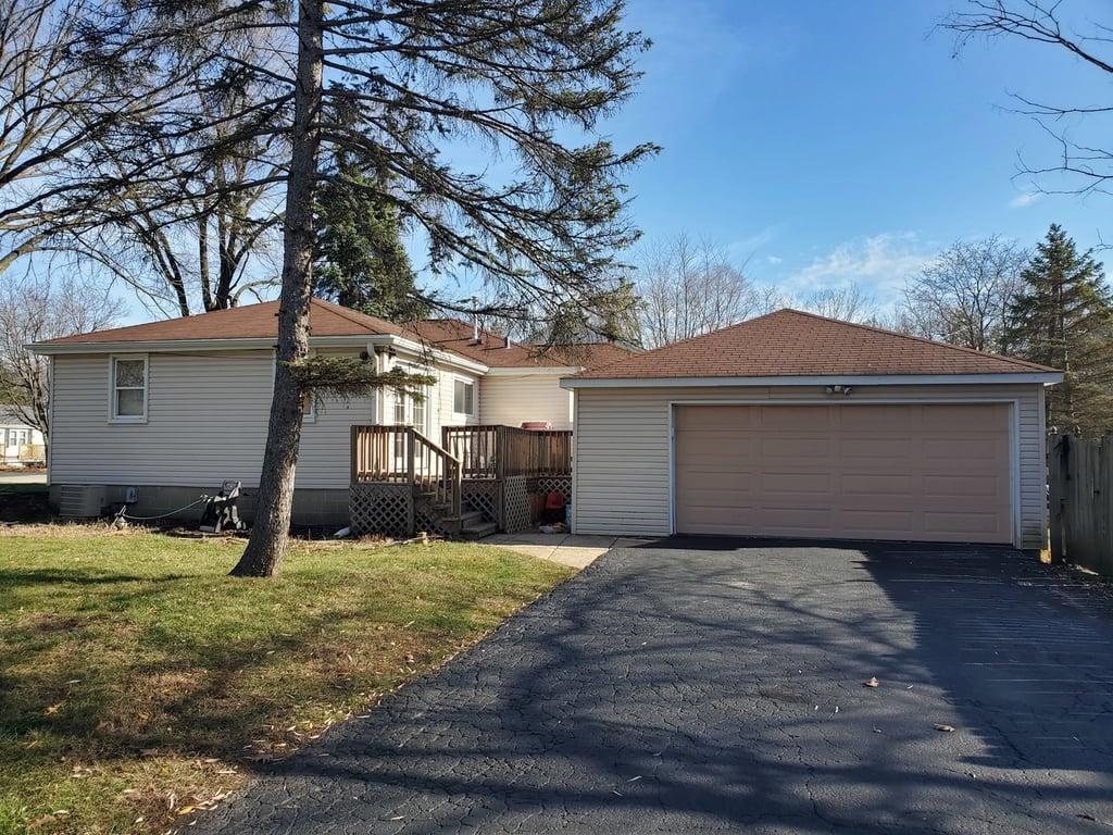 15275 W Walnut Drive Deerfield, IL 60015