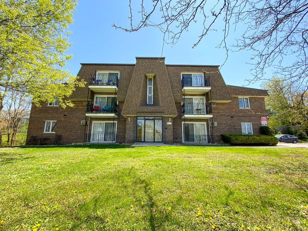 8231 Archer Avenue -7 Willow Springs, IL 60480