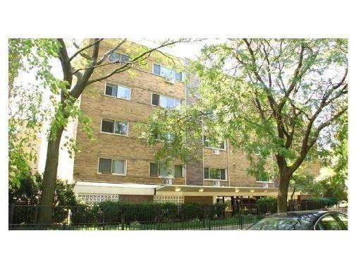 1415 W Lunt Avenue -210 Chicago, IL 60626