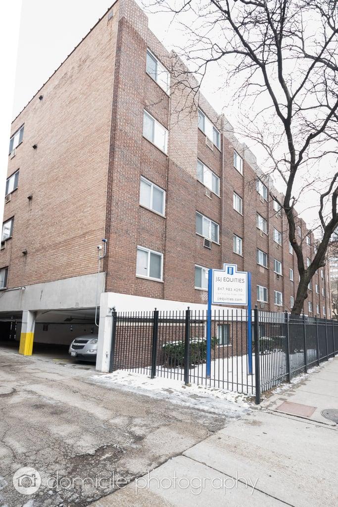 1040 W HOLLYWOOD Avenue -512 Chicago, IL 60660