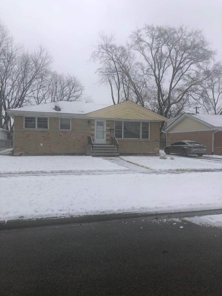 17411 Oconto Avenue Tinley Park, IL 60477