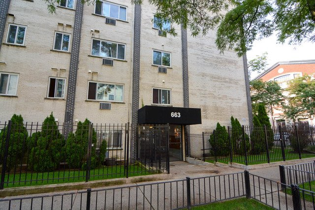 663 W Grace Street -212 Chicago, IL 60613