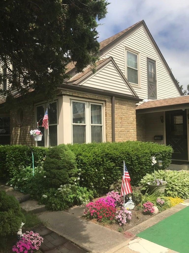 1626 Lunt Avenue -B Des Plaines, IL 60018