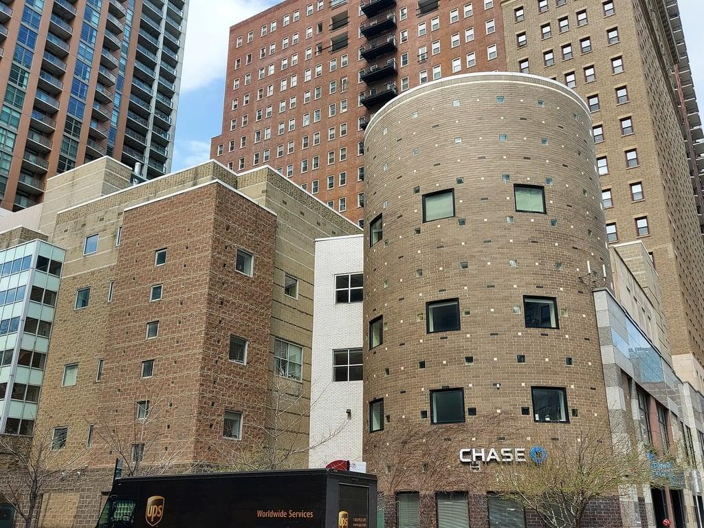40 E 9th Street -811 Chicago, IL 60605