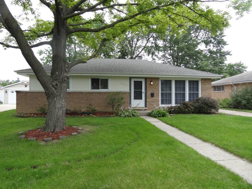 441 N Ridgeland Avenue Elmhurst, IL 60126