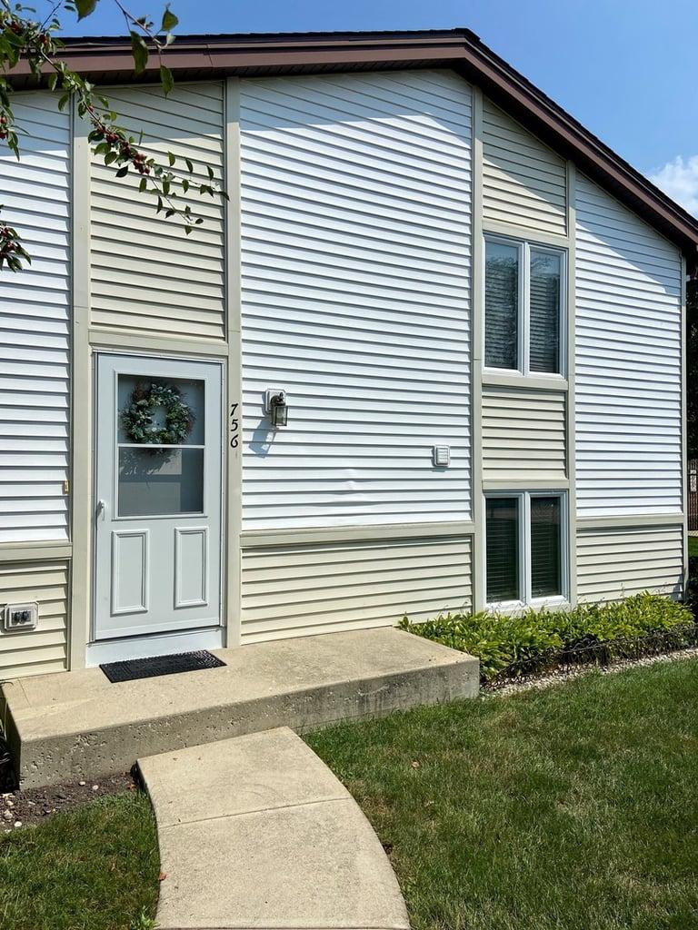 756 Inverrary Lane Deerfield, IL 60015