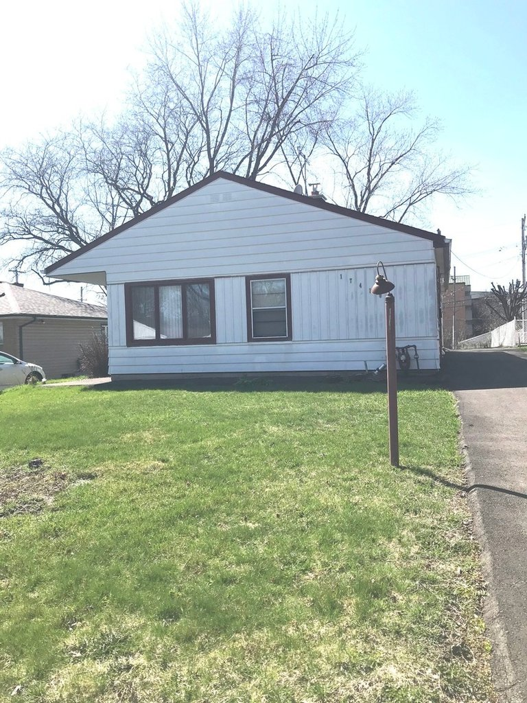 17410 Poe Avenue Hazel Crest, IL 60429