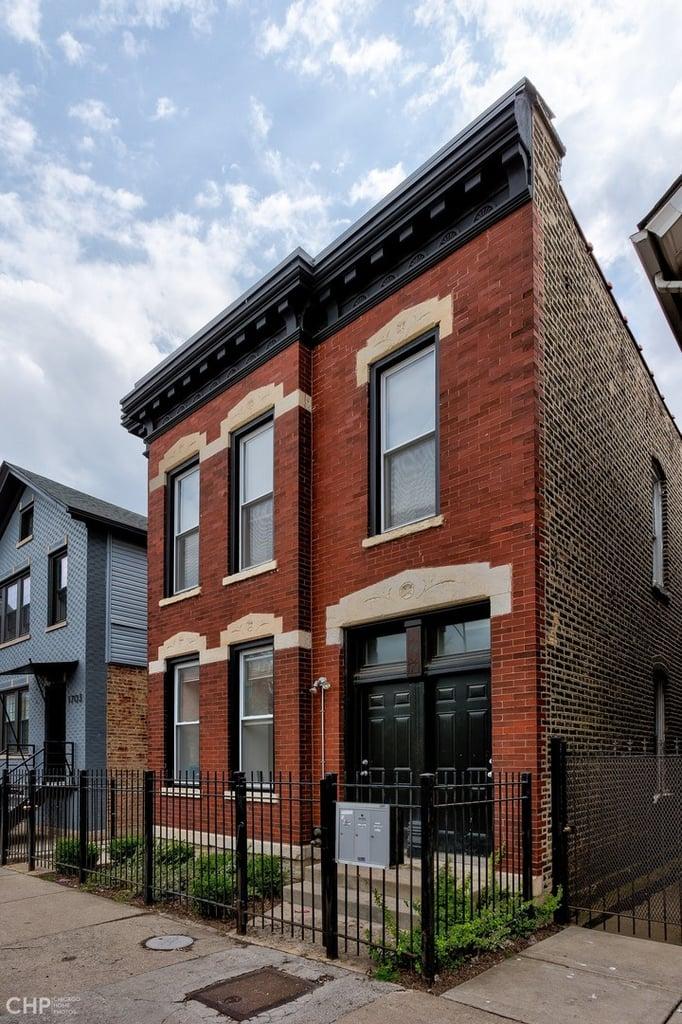 1707 W Augusta Boulevard -1F Chicago, IL 60622