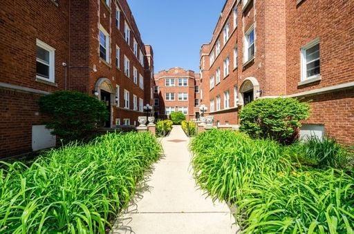 6110 N Winthrop Avenue -3E Chicago, IL 60660