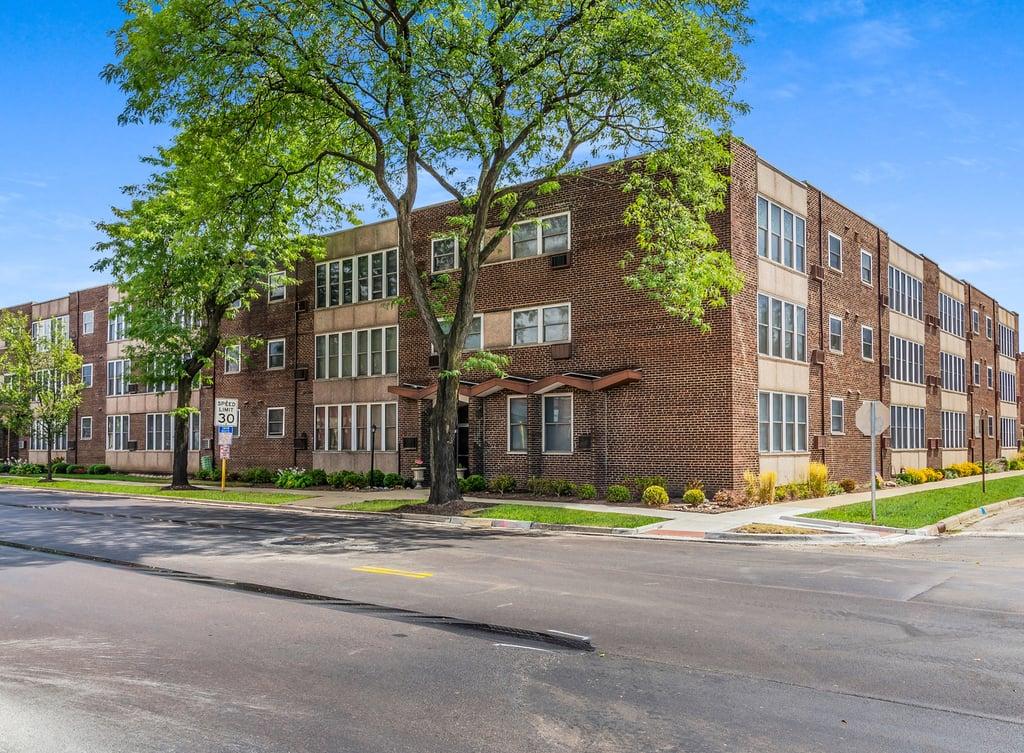 1333 W TOUHY Avenue,Park Ridge,IL-37563-0
